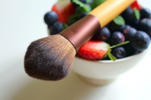 berries-makeup-brush