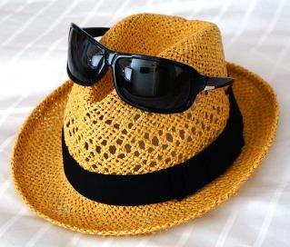 hat-1494041_640