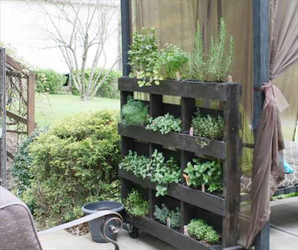 pallet-vertical-herb-garden-3